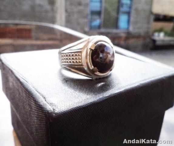 batu cincin hitam