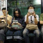 8 Kebiasaan Unik Orang Jepang Saat Menggunakan Smartphone yang Bisa Kamu Tiru