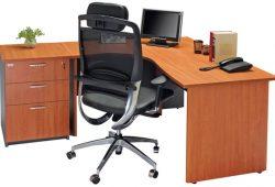 Bekerja Lebih Produktif dengan Menerapkan Tips Memilih Meja Kantor Ini