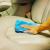Cara Efektif Membersihkan Jok Mobil Berbahan Kulit