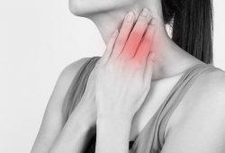 Kiat Hindari Tertular Radang Tenggorokan Saat Naik MRT